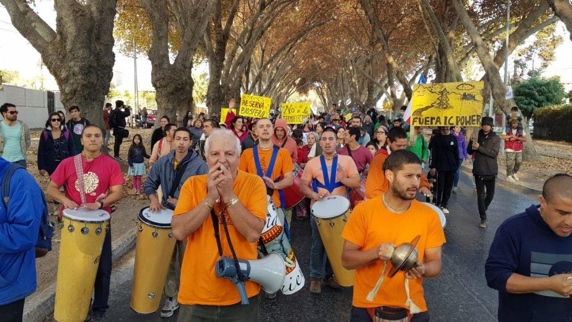 Marcha se desarrolló en Limache en contra de los proyectos energéticos de la zona