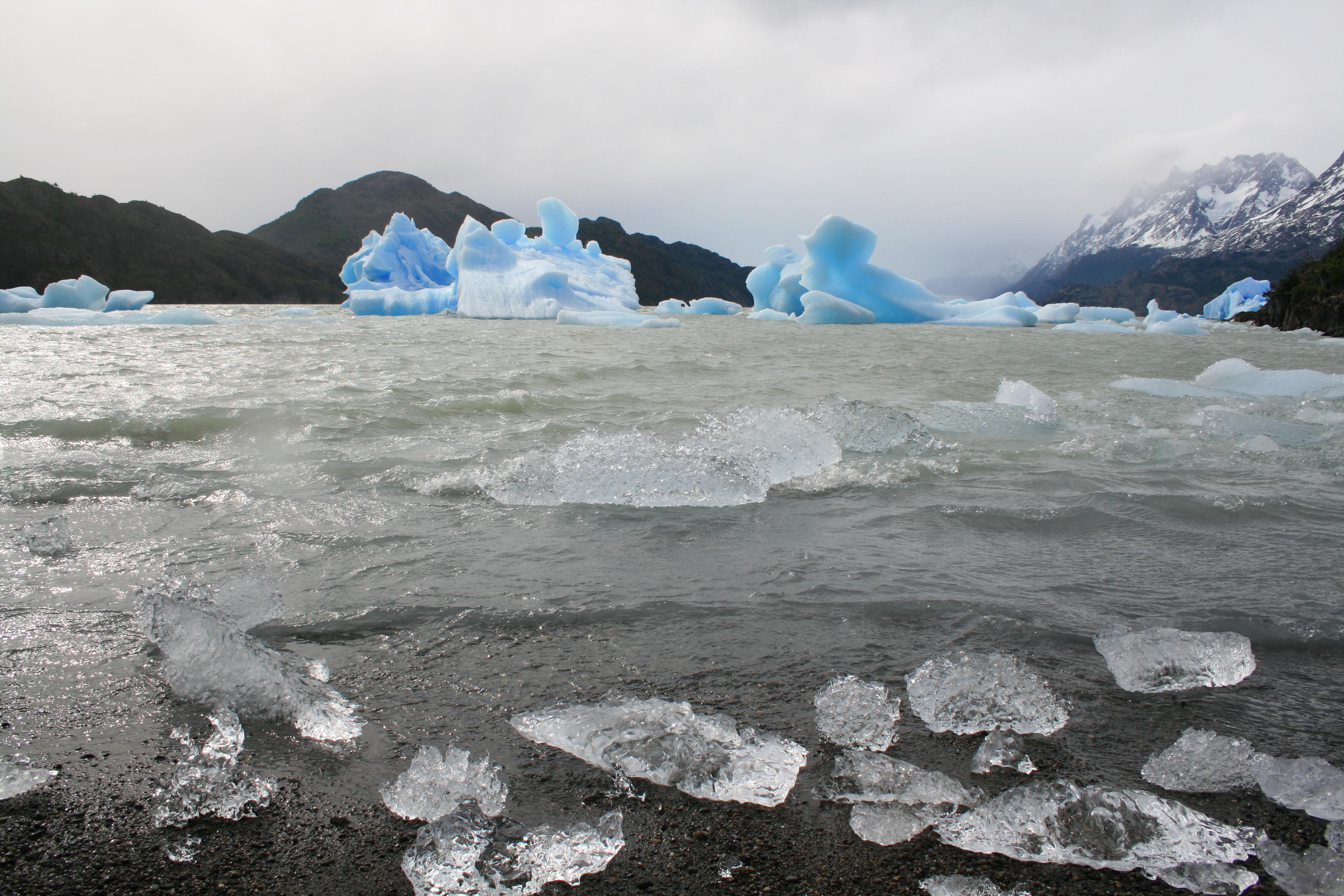 Gobierno retira Ley de Glaciares en medio de acusaciones por letra chica