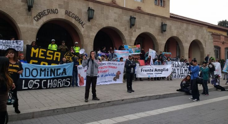 Detractores de los proyectos Dominga y Puerto Cruz Grande marcharon en La Serena
