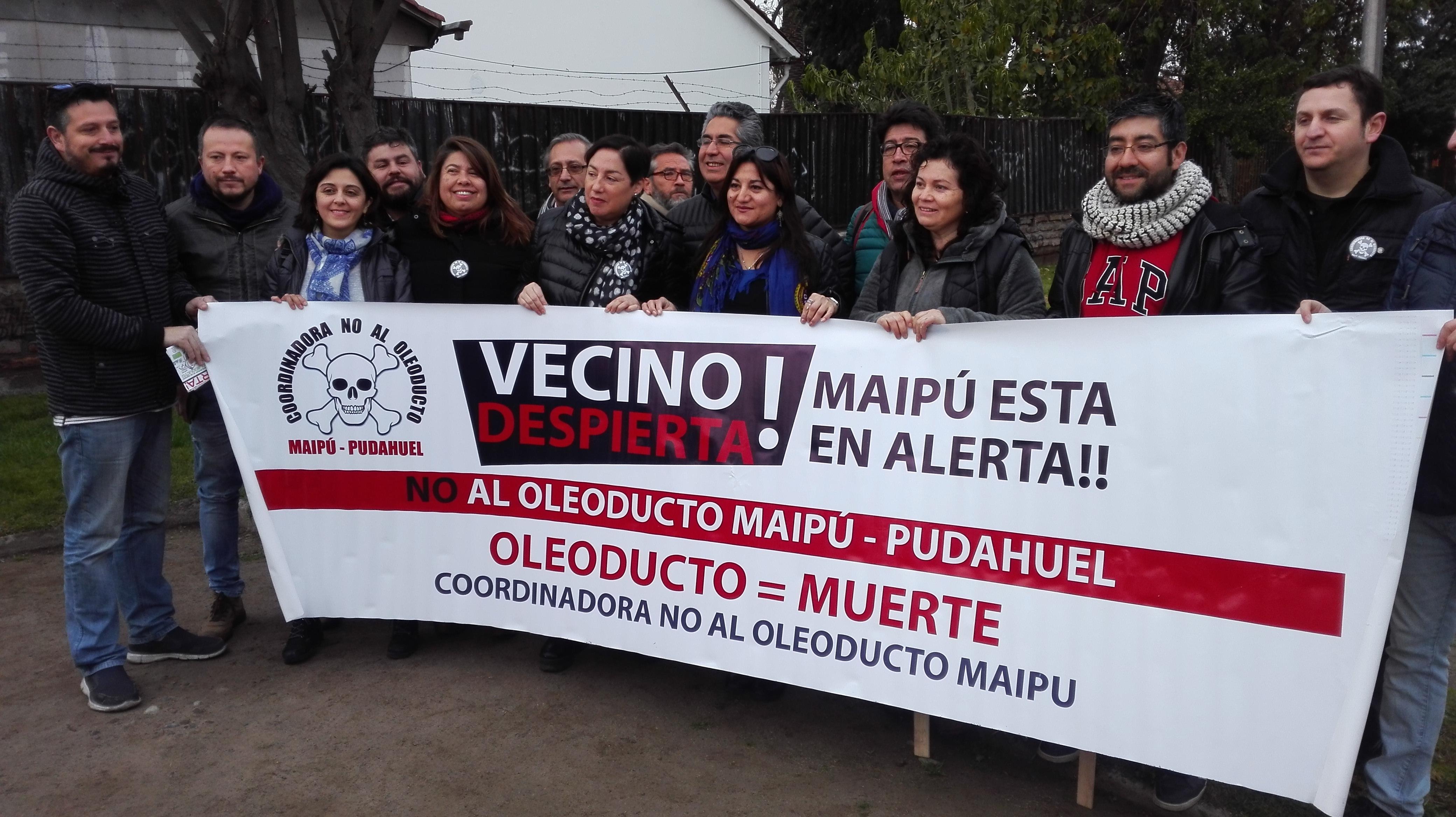 Petroleras se enfrentan con municipio de Maipú por oleoducto para llevar combustible al aeropuerto de Santiago