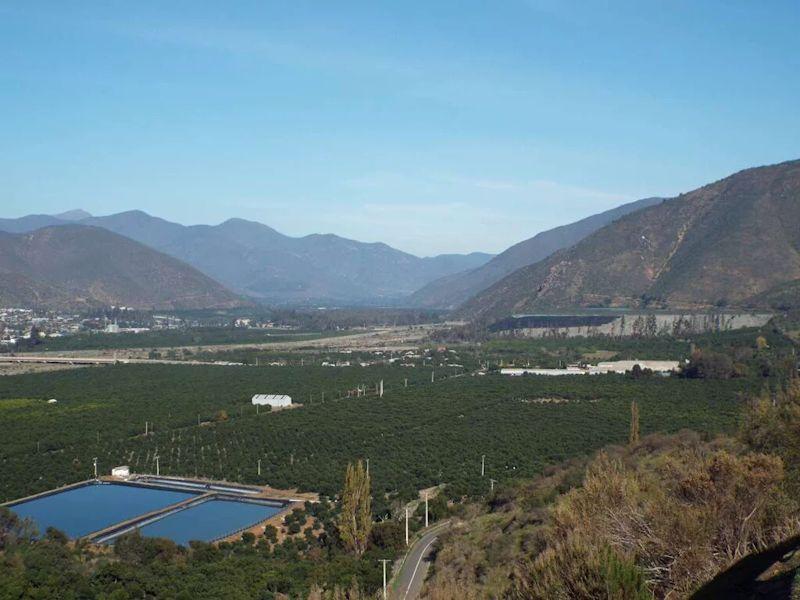 Ministro de Agricultura se reúne con Esval: Evalúan medidas para optimizar distribución de agua en Petorca