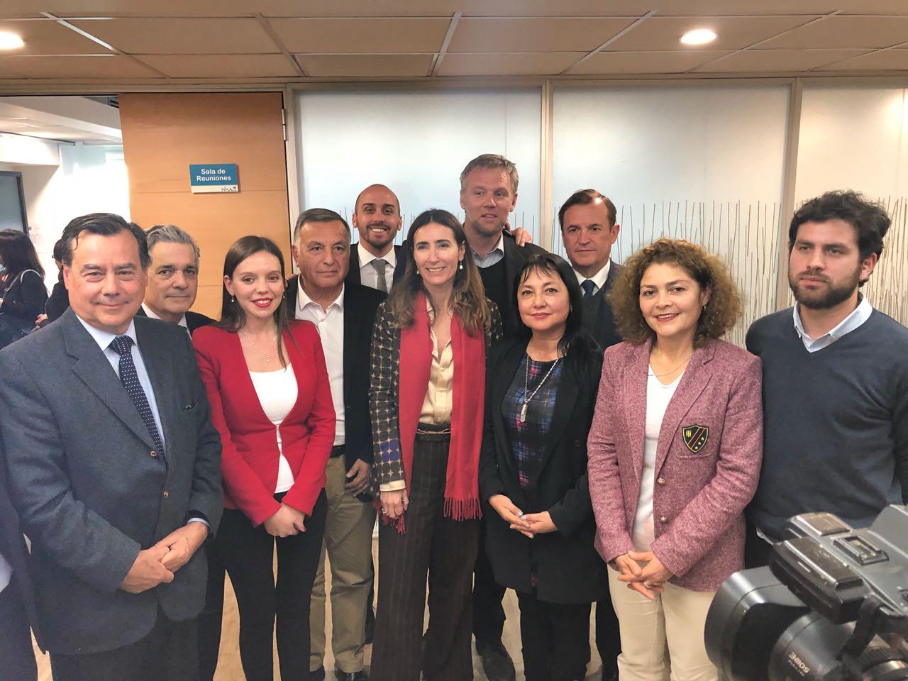 Valparaíso: Ministra de Medio Ambiente se reunió con alcaldes y parlamentarios por contaminación