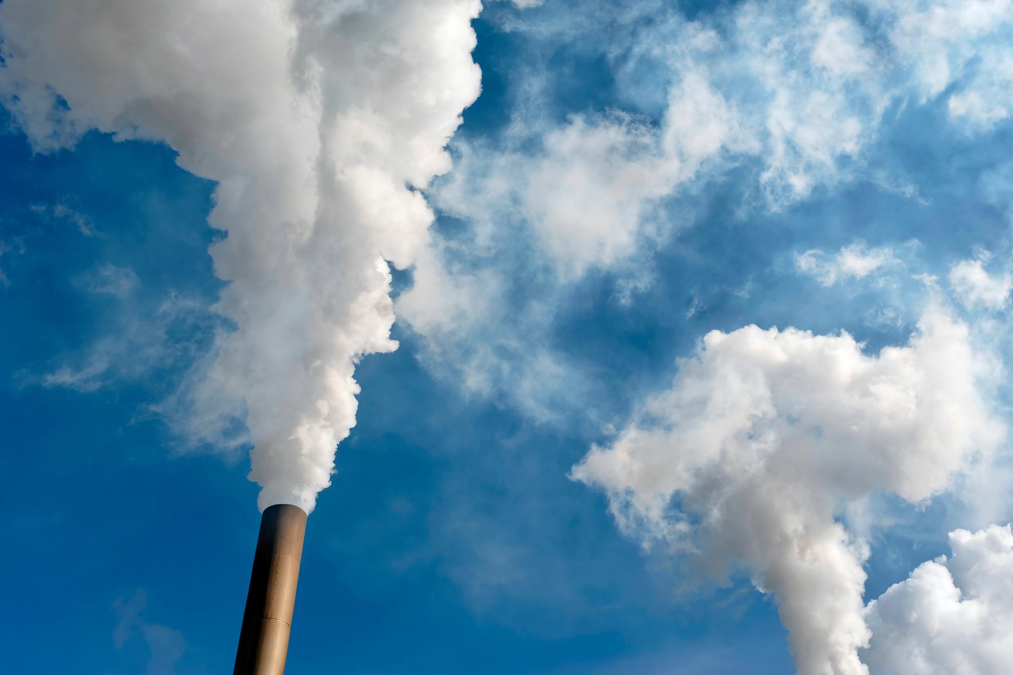 Gases tóxicos en Quintero: Al menos 53 niños afectados