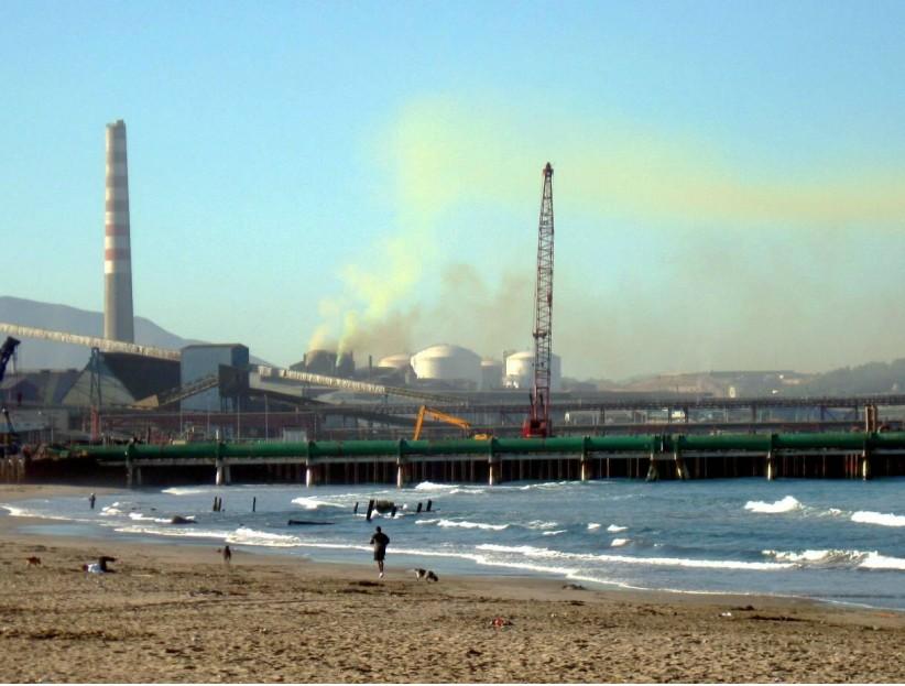 Decretan Alerta Amarilla ante nuevo episodio de contaminación en la Bahía de Quintero