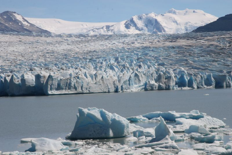 Gobierno actualiza inventario nacional de glaciares y evalúan efectos de emisiones de material particulado en los hielos
