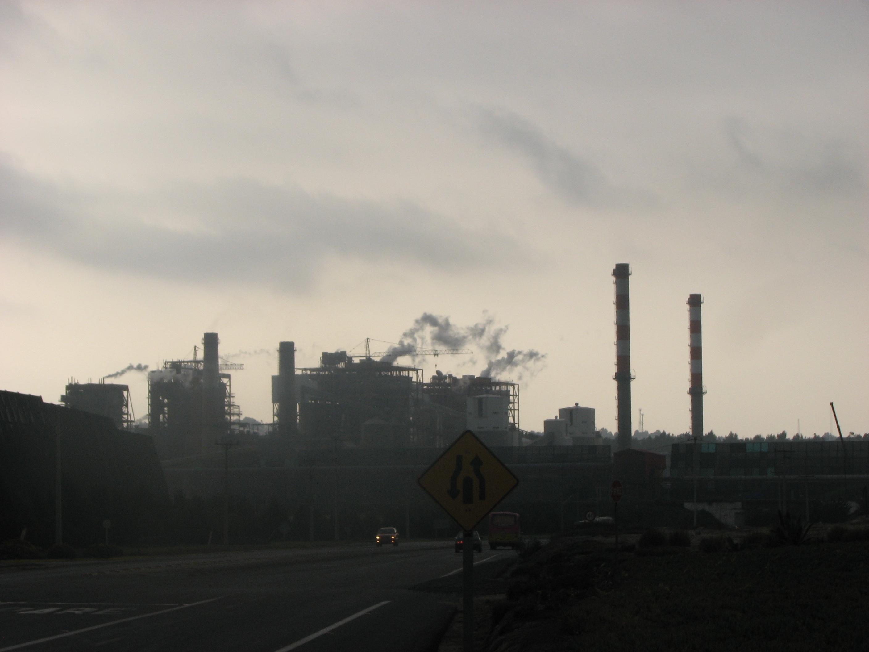 """Químico sobre crisis en Quintero: """"no hay esperanza para un ambiente saludable, aunque cierren las empresas"""""""