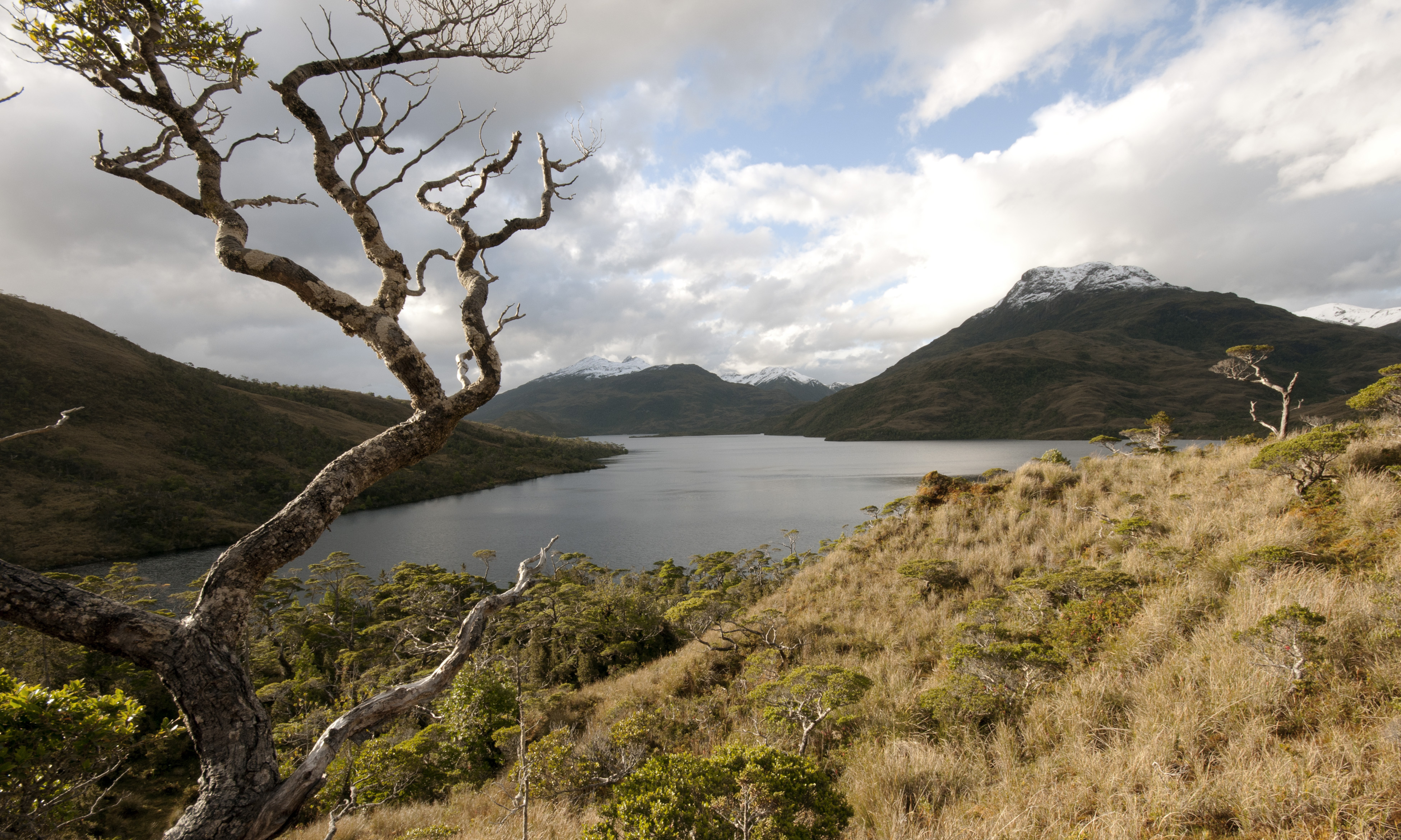 Autoridad ambiental revierte decisión de CEA al aprobar tronaduras en Isla Riesco