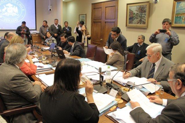 """Comisión de pesca del Senado aprueba idea de legislar sobre """"Ley Corta"""""""