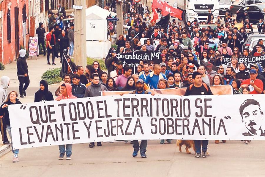 Cientos de personas despidieron a Alejandro Castro, pescador y dirigente de Quintero