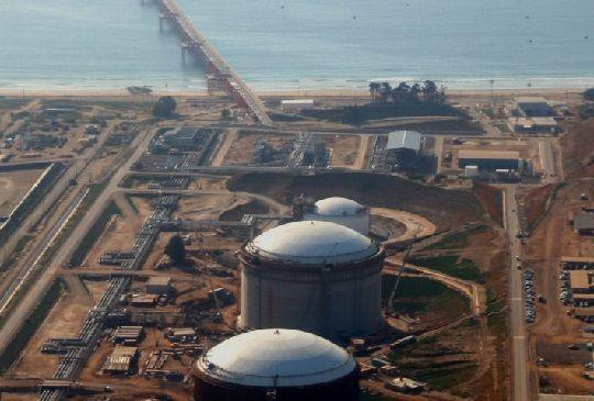 Llegada del gas argentino y menor demanda en Chile congela ampliación de GNL Quintero
