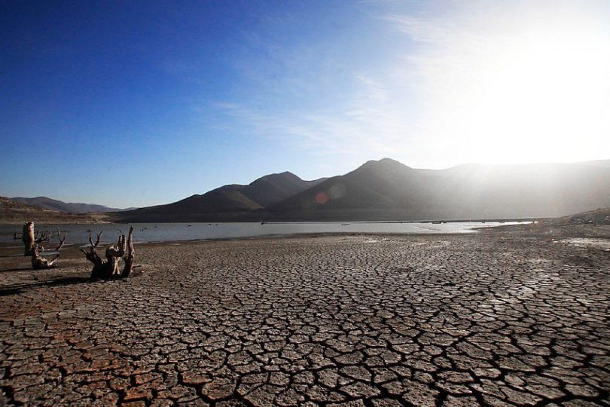 Organizaciones y parlamentarios llaman a Gobierno a avanzar en políticas para palear el déficit hídrico