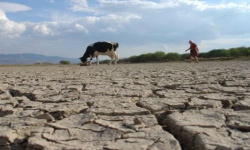 """Gobierno define acciones para garantizar """"seguridad hídrica"""" y frenar sobreexplotación de cuencas"""