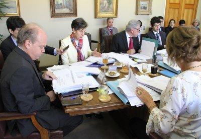 Octubre: Proyecto ingresa a la Comisión de Hacienda del Senado
