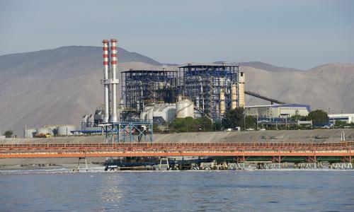 Descarbonización: en 2034 seguirá operando el 54% de la generación térmica