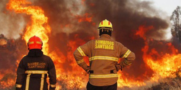 Conaf advierte riesgo de incendios forestales para cinco regiones del país