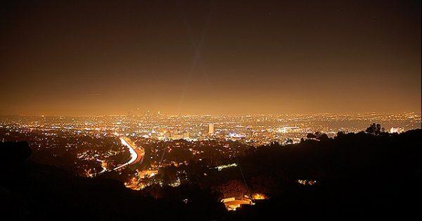 Aprueban incluir la contaminación lumínica en regulación medioambiental