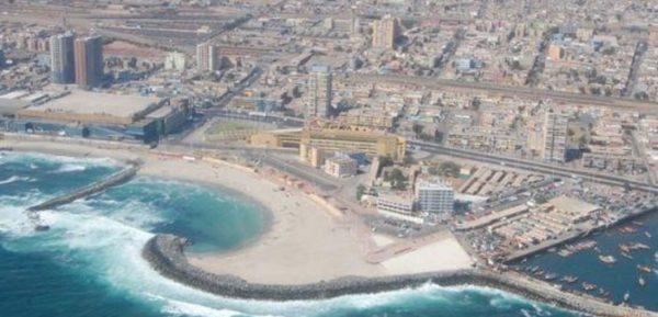 Armada investiga 16 episodios de contaminación en borde costero de Antofagasta