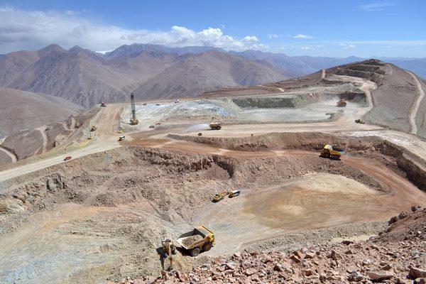 Tribunal Ambiental inspeccionará extracción y traslado de cobre de empresa del grupo Luksic