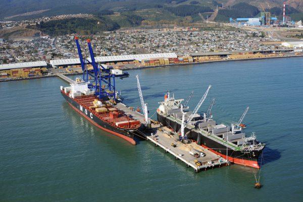 Pescadores rechazan proyecto de Copec que contempla levantar terminal de hidrocarburos en Coronel