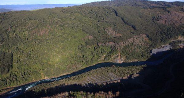 SEA cita a servicios públicos para abordar estudio ambiental de proyecto hidroeléctrico en Los Ríos