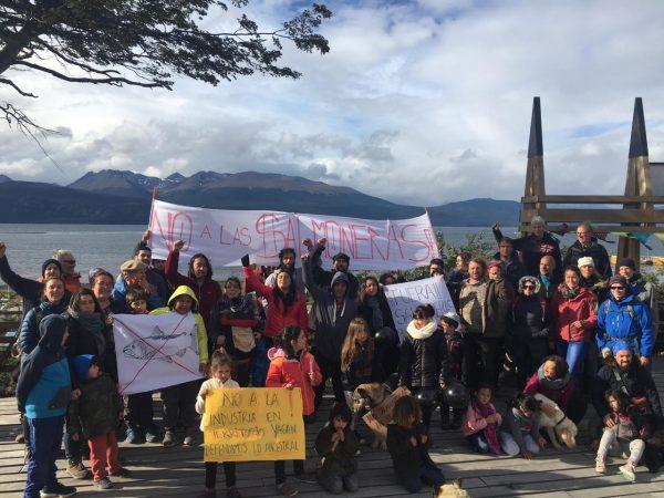 Comunidad Yagán de Puerto Williams rechaza instalación de salmoneras