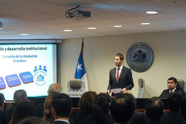 Tribunal Ambiental de Santiago realiza duro mea culpa y busca dejar atrás crisis interna