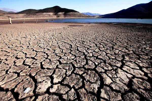 """¿Lluvias en Santiago? Podría continuar la """"megasequía"""""""