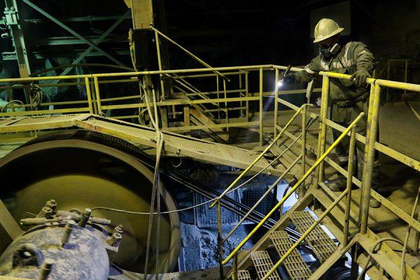 Mineras se alinean con grupo Claro en guerra por dumping en bolas de acero con SK y Moly-Cop