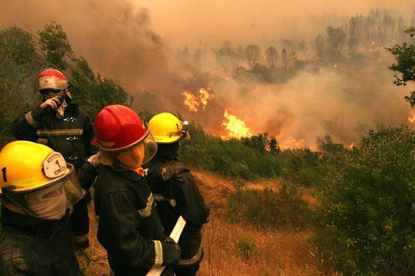 Gobierno decide prorrogar Estado de Excepción en tres regiones del sur por incendios forestales